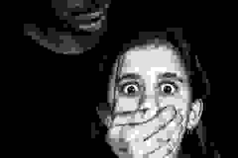 Sự thật kinh hoàng của bé gái bị cưỡng bức sau nét vẽ nguệch ngoạc