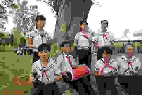 Về Bến Tre, xem học sinh biểu diễn hát sắc bùa