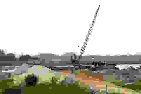 """Ninh Bình: Hàng loạt bãi cát """"lậu"""" ngang nhiên hoạt động bên sông Hoàng Long"""