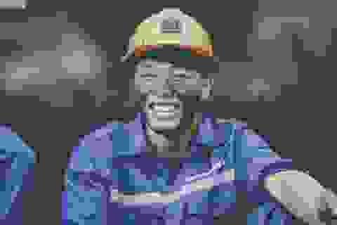 """Ảnh kỷ yếu """"Thợ mỏ"""" đậm chất quê hương của học sinh Quảng Ninh"""