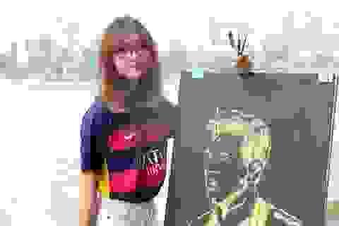 Nữ sinh mê Barcelona có tài vẽ chân dung cầu thủ thần tượng