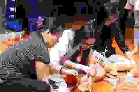 Giới trẻ Hà Nội thích thú học làm tiến sĩ giấy, đèn ông sao