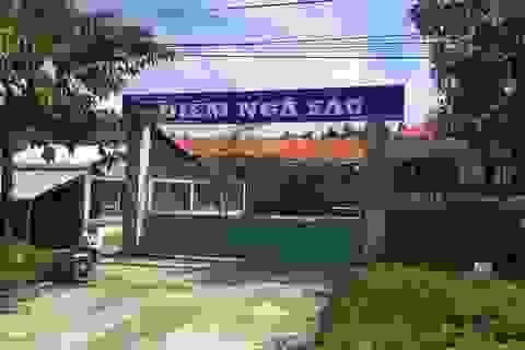 Cả trăm học sinh phải nghỉ học vì bị chủ đất đóng cửa trường