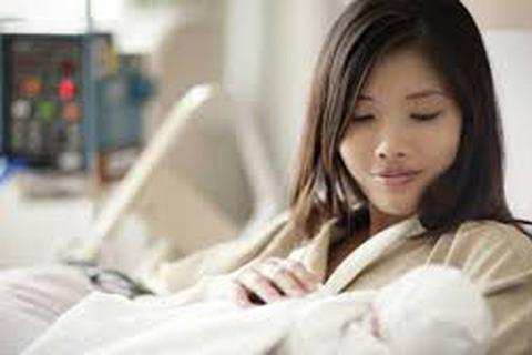 Thôi việc trước khi sinh con vẫn được trợ cấp thai sản