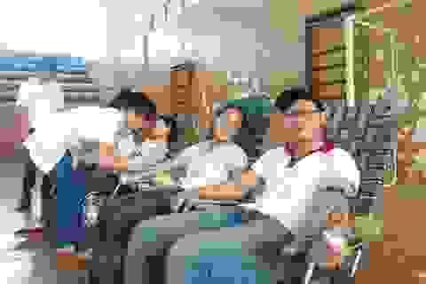 """Ấm áp nghĩa tình """"Ngân hàng máu sống"""" của trường ĐH Tây Nguyên"""