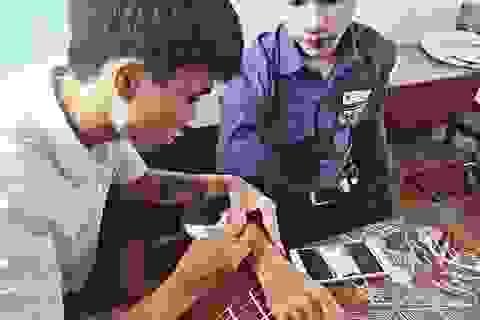"""""""Kiệt tác"""" vẽ có """"một không hai"""" của nam sinh trường Duy Tân"""
