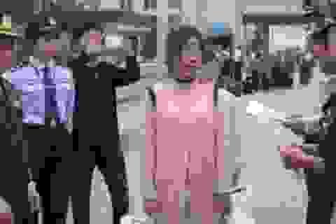 Trung Quốc trao trả cô gái Việt Nam 17 tuổi bị bắt cóc làm vợ