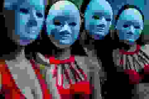 Cận cảnh hoạt động của vũ nữ trong hộp đêm ngầm ở Trung Quốc