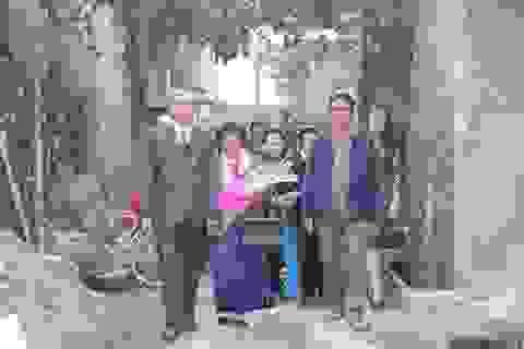 Chú rể 73 tuổi rước cô dâu 70 trong ngày đầu năm mới