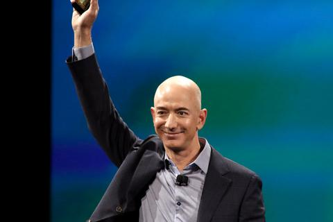 """Chân dung người """"cướp ngôi"""" tỉ phú giàu nhất thế giới của Bill Gates"""