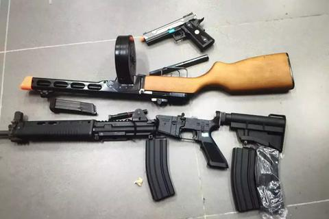 Phát hiện đối tượng cất giữ 8 khẩu súng cùng nhiều cơ số đạn
