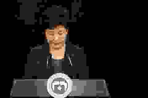 Tổng thống Park Geun-hye lại dính cáo buộc mới