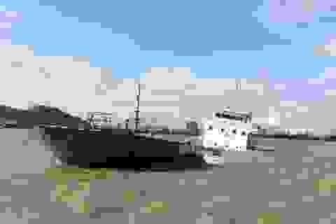 Dịch chuyển, thông luồng vào cảng Quy Nhơn