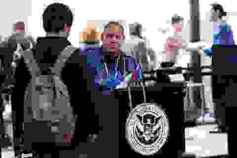 Mỹ ngừng xét duyệt nhanh thị thực cho lao động công nghệ cao