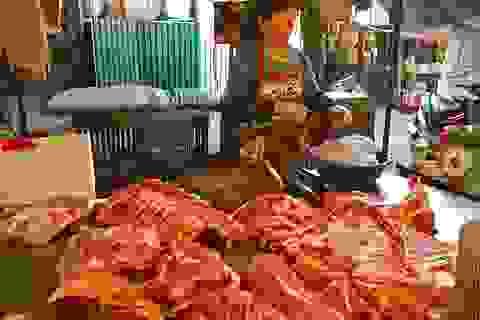 Mua 2 triệu bán 6 triệu đồng: Lái lợn lãi đậm, dân nuôi phá sản