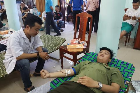 Hơn 450 bạn trẻ Hội An tham gia hiến máu nhân đạo