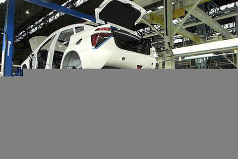 Ô tô nội địa giảm giá trăm triệu đồng: Đón thời điểm quyết mua xe