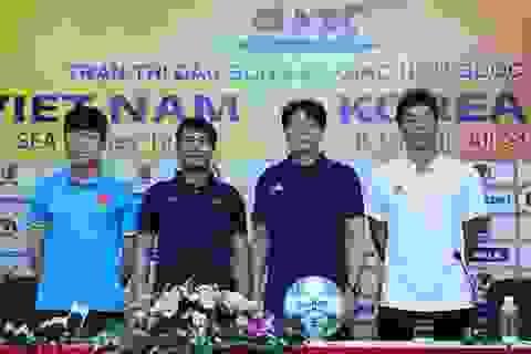 HLV đội ngôi sao K-League chê thể lực cầu thủ Việt Nam