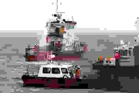 Diễn tập cứu nạn tàu khách bốc cháy trên Vịnh Nha Trang