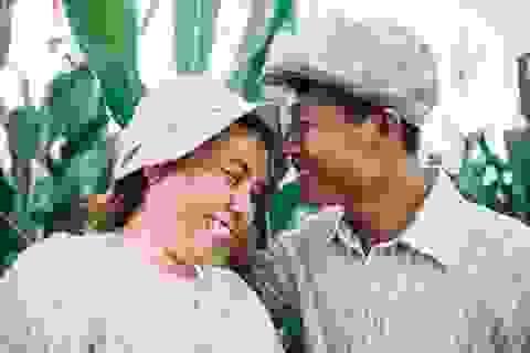 Câu chuyện xúc động sau bộ ảnh vợ chồng nông dân 25 năm hạnh phúc