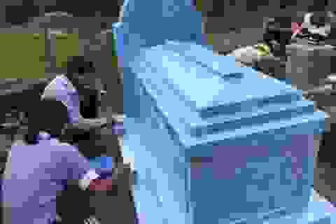 Đồng bào miền Tây đi tảo mộ ngày giáp Tết