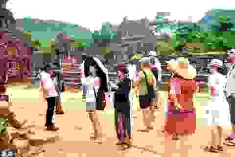 Du khách đến Quảng Nam dịp lễ tăng cao