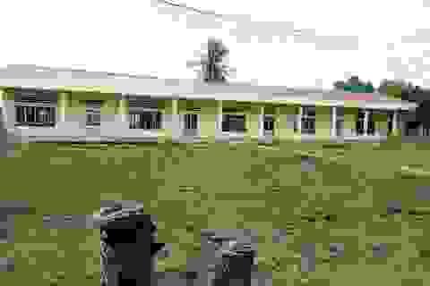 Cà Mau: Gần 100 học sinh chưa được học vì trường đóng cửa do tranh chấp đất