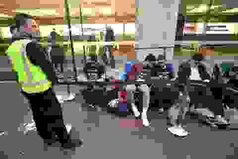 iPhone 8 kém thu hút trong ngày đầu tiên mở bán, không còn cảnh chen chân xếp hàng