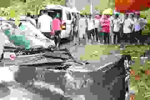 Xe ô tô đấu đầu xe đầu kéo rơ-mooc, tài xế tử vong