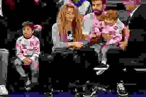 """Shakira tái xuất bên """"phi công trẻ"""""""