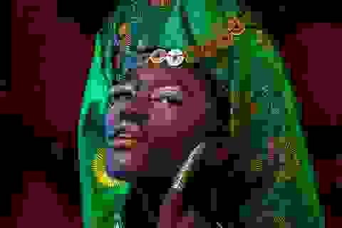 Chuyện người mẫu châu Phi mê mẩn áo dài, hầu đồng Việt Nam