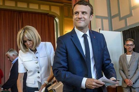 """Tổng thống Pháp vượt qua """"cuộc sát hạch"""" quan trọng"""