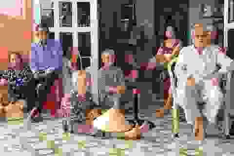 Vụ sạt lở ở TPHCM: 30 người dân đồng ý di dời khẩn cấp