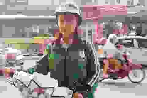 Nữ xe ôm xinh đẹp khiến cộng đồng mạng rần rần tìm kiếm