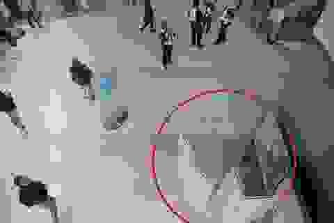 Tấn công bằng axit tại trung tâm mua sắm ở Anh