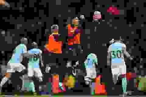 Thắng Southampton, Man City cân bằng kỷ lục của MU