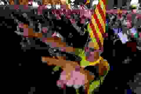 Catalonia tuyên bố độc lập: Hệ lụy khôn lường