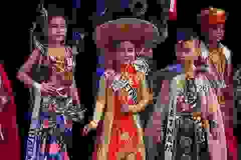 """4 em nhỏ Việt thắng lớn ở cuộc thi """"Hoàng tử và công chúa quốc tế"""""""