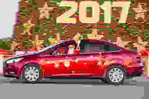 Ông già Noel tất bật phát quà cùng Ford Focus