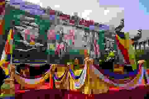 Sài Gòn rực rỡ cờ hoa đón mừng đại lễ Phật đản