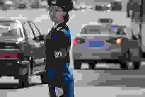 """Những """"bóng hồng"""" đặc biệt trên đường phố Triều Tiên"""