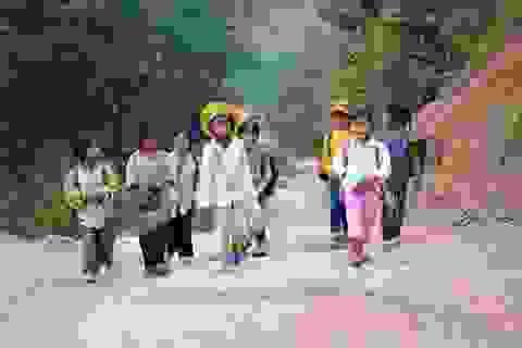 """""""Ám ảnh"""" giấc mơ đến trường của trẻ em vùng sâu, vùng xa"""