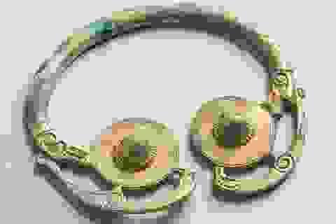 Đổi đời nhờ tìm thấy hũ đồ cổ trị giá… 58 tỷ đồng