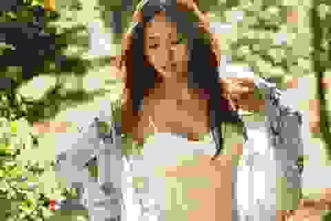 """Cuộc sống lặng lẽ của """"nàng tiên quốc dân"""" Lee Hyori gây sốt"""