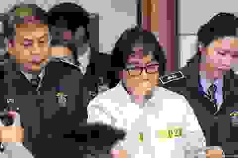 """Tấn bi kịch Park Geun-hye: """"Pháp sư"""" Choi Soon-sil"""