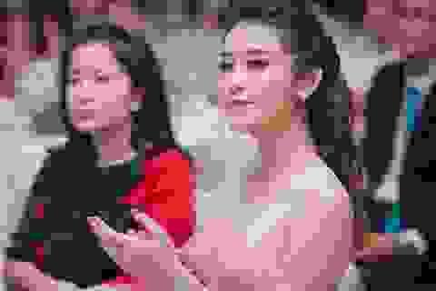 """Á hậu Huyền My quyến rũ trên """"ghế nóng"""" cuộc thi sắc đẹp"""
