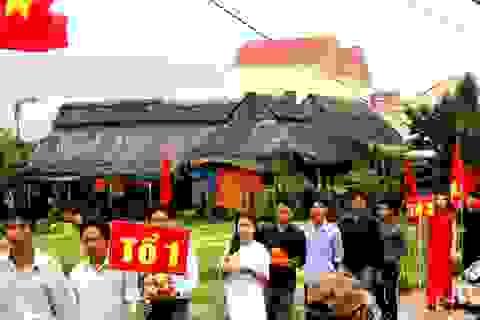 Độc đáo lễ hội cầu bông ở làng rau hơn 500 tuổi