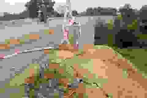 Cầu gần 30 tỷ chưa hoàn thành nhưng đã có dấu hiệu xuống cấp?