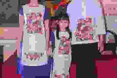 Độc đáo bộ sưu tập áo dài tranh Đông Hồ