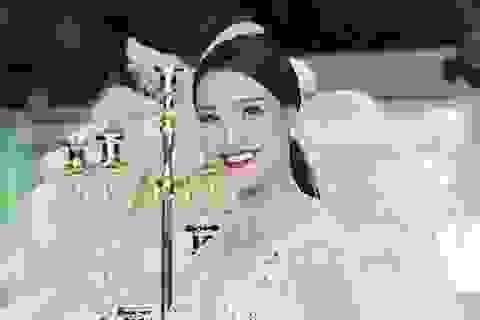 Á hậu Hoàng Oanh trở lại sàn diễn sau chia tay Huỳnh Anh